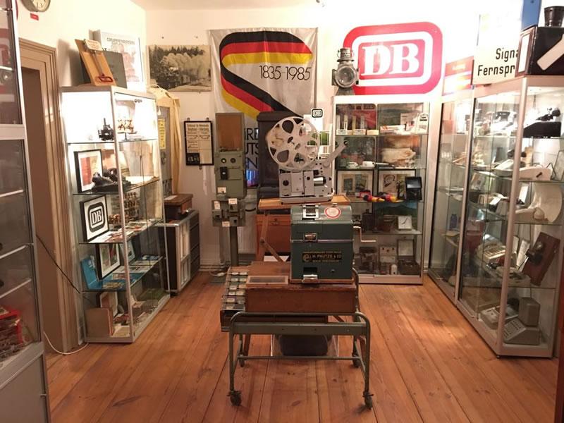 Ausstellungsraum im Eisenbahnmuseum Amorbach