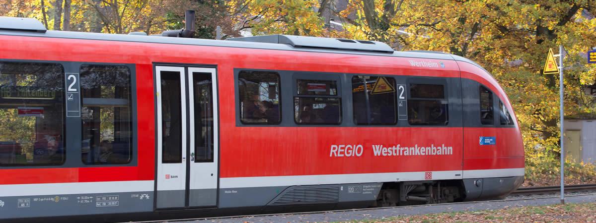 Triebwagen der Westfrankenbahn