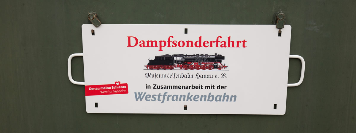 Schild: Sonderfahrt