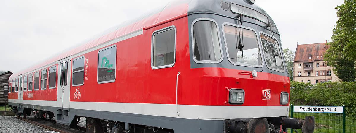 Triebwagen auf dem Gel&aumlnde des Eisenbahnmuseum Amorbach