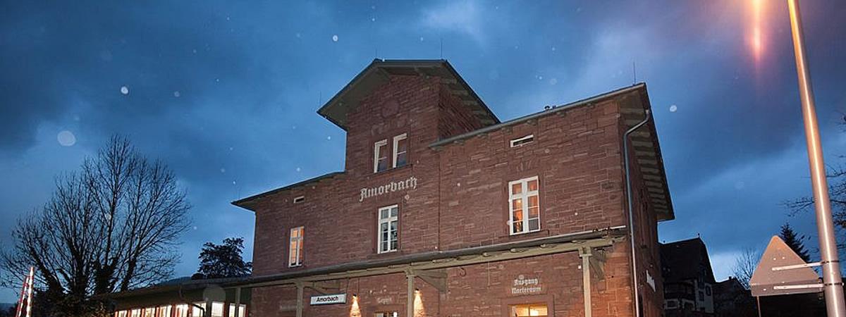 Bahnhofsgebäude in Amorbach